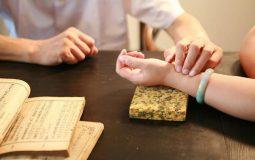 khám và điều trị bằng y học cổ truyền