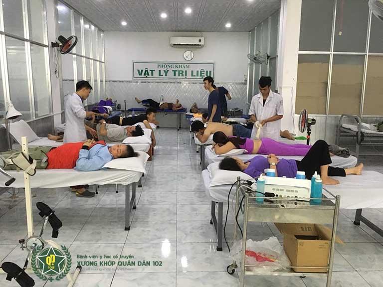 Khu phòng điều trị vật lý trị liệu tại Bệnh viện YHCT Xương khớp Quân dân 102