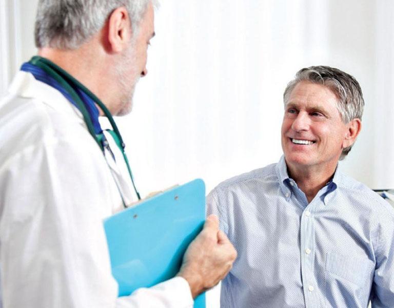 Tham khảo ý kiến của bác sĩ trước khi thực hiện bấm huyệt chữa thoát vị đĩa đệm