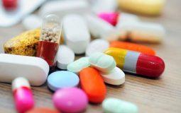 Sử dụng thuốc Tây là cách chữa thoái hóa cột sống đầu tiên mà người bệnh thường nghĩ đến