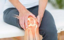 Thoái hóa khớp gối là nguyên nhân phổ biến nhất khiến đầu gối bị đau, mỏi, tê bì