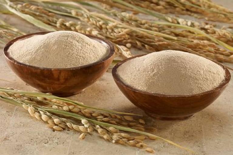 Cách dùng bột gạo lứt chữa bệnh thoái hóa khớp rất tiện lợi