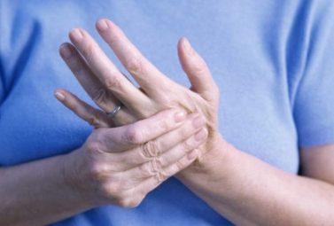 Thoái hóa khớp tay: khớp cổ tay, ngón tay và những điều cần biết (Chi tiết)