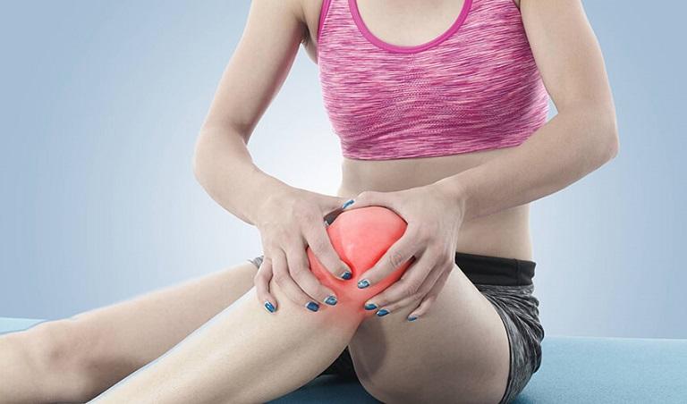 Nhiều trường hợp đau khớp gối ở người trẻ tuổi là do vấn đề xương khớp bẩm sinh