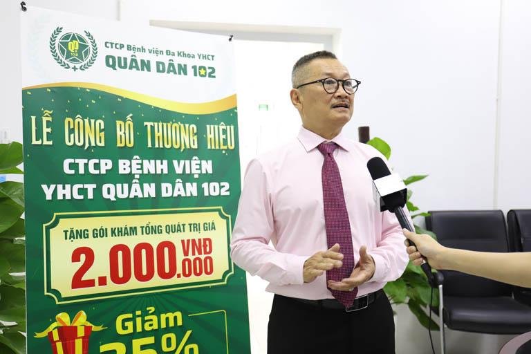 Nghệ sĩ Trần Đức vui mừng chia sẻ hành trình chữa thoái hóa khớp tại Bệnh viện Xương khớp Quân dân 102