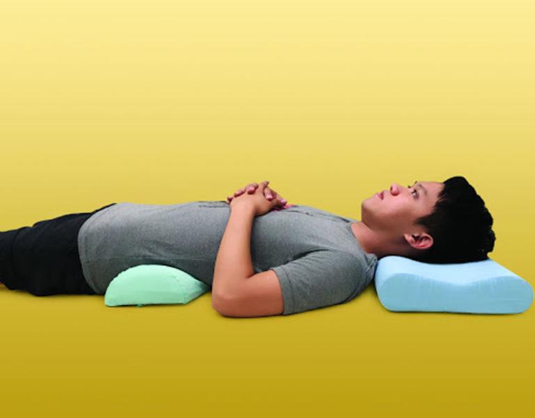 Người bệnh cần chọn gối có kích thước phù hợp để tăng hiệu quả giảm đau
