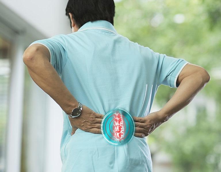 Lao động nặng thường xuyên là một trong những nguyên nhân gây bệnh