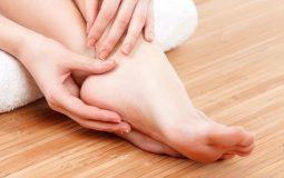Thoái hóa khớp chân: Đau khớp cổ chân chớ nên xem thường