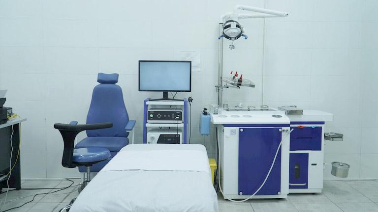 Bệnh viện YHCT Xương khớp Quân Dân 102 đầu tư trang thiết bị máy móc hiện đại phục vụ công tác thăm khám, điều trị