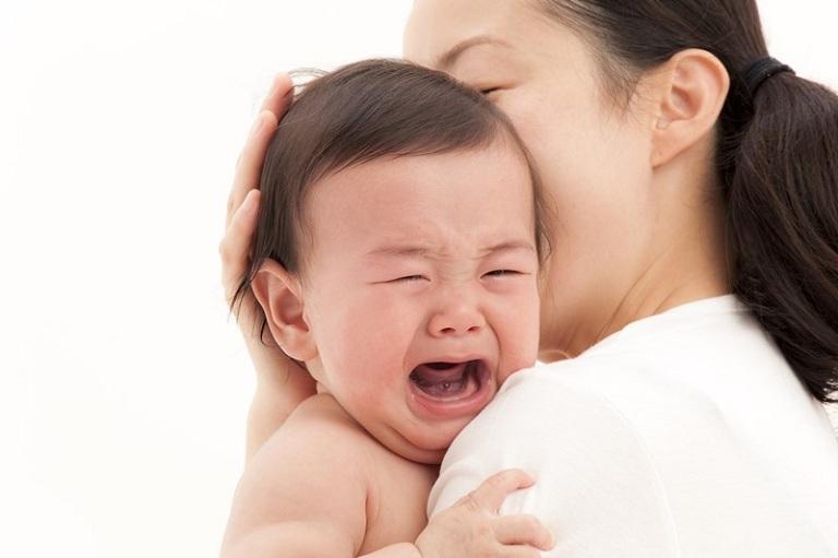 Rối loạn miễn dịch là nguyên nhân chủ chốt gây ra đau khớp ở trẻ em