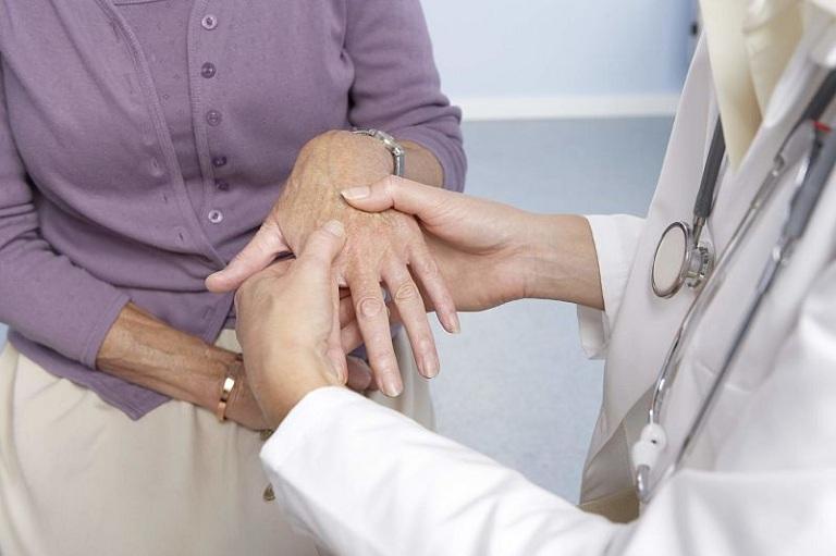 Người bệnh hãy tham khảo ý kiến bác sĩ và chuyên gia xem nên thực hiện bài tập nào