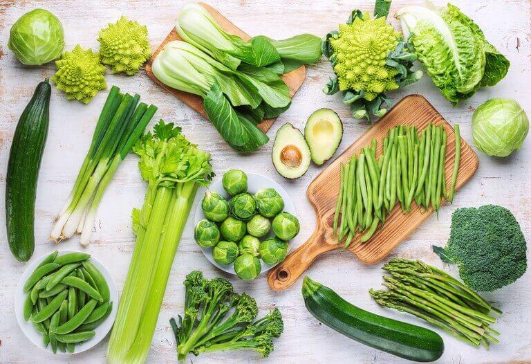 Rau xanh giúp làm chậm quá trình thoái hóa và giảm viêm khớp