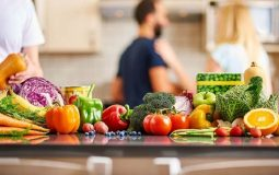 Viêm đa khớp kiêng ăn gì giúp bệnh nhanh khỏi? Chuyên gia giải đáp