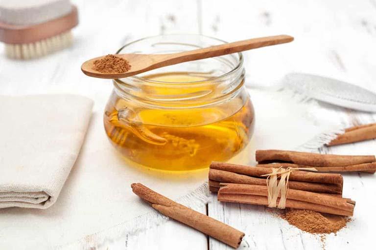 Mật ong và bột quế giúp kháng viêm, kháng khuẩn