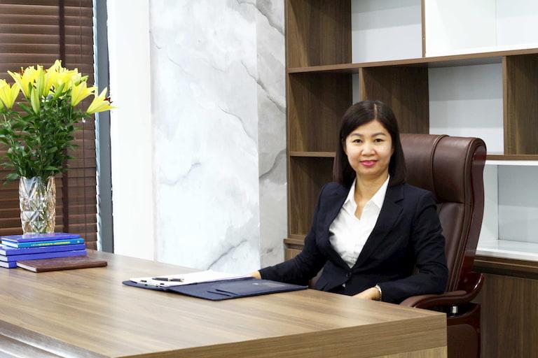 Tổng giám đốc Bệnh viện YHCt Xương khớp Quân Dân 102 - Bà Trần Thanh Hằng