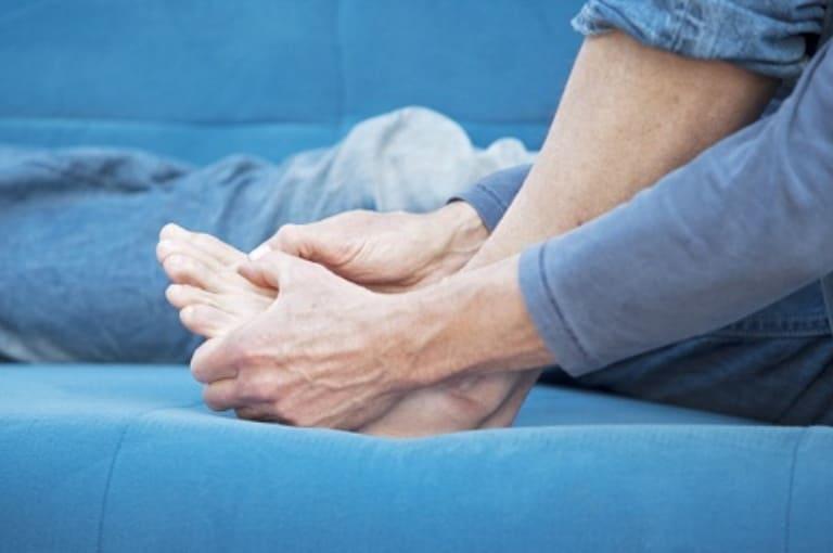Đau khớp cổ chân kéo theo nhiều biến chứng bệnh nguy hiểm khác