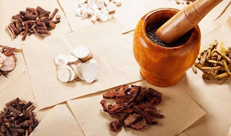 Bài thuốc Đông y chữa đau khớp gối sử dụng các vị thuốc quý có trong tự nhiên