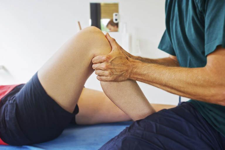 Cách điều trị đau khớp gối bằng Đông y là phương pháp chữa bệnh tận gốc