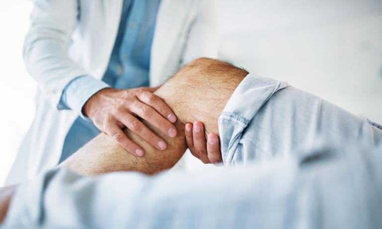 Nếu các cơn đau nhức không có dấu hiệu thuyên giảm có thể sẽ nguy hiểm, người bệnh nên đi thăm khám sớm
