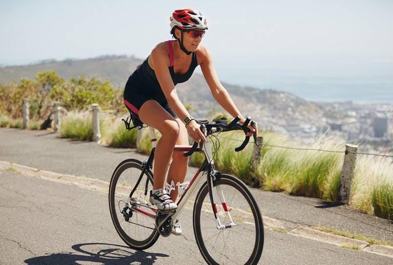 Đạp xe hàng ngày rất tốt, giúp tăng cường thể lực và hỗ trợ điều trị đau gối