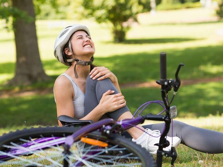 Đau đầu gối có nên đạp xe không? Cần đảm bảo kỹ thuật và phù hợp với mức độ bệnh lý