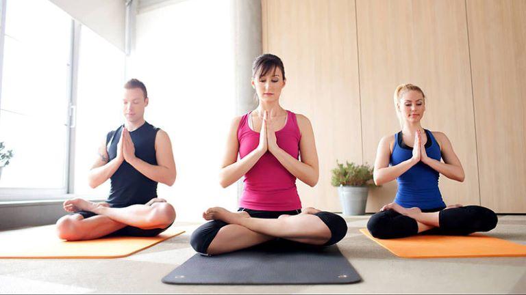 Một vài lưu ý khi tập yoga cho người bị gai cột sống