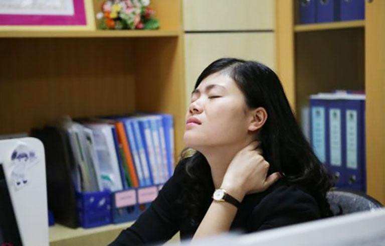 Đau cổ vai gáy gặp phổ biến nhất ở nhóm đối tượng dân văn phòng